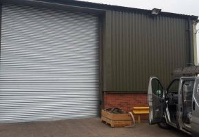 Installation of a roller shutter door